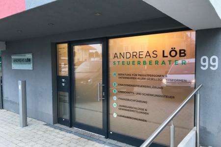 andreas_loeb_steuerberater_fontfront_rossdorf_beschriftung_glasdekor_sichtschutz_09