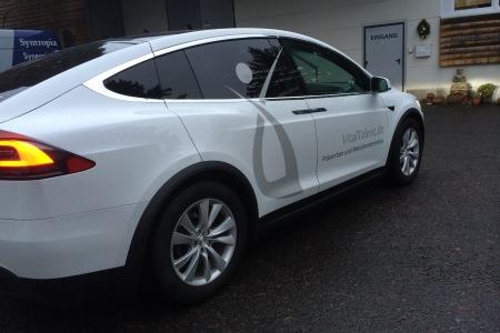 FontFront-Rossdorf-Tesla-Model-X-Beschriftung-Vitaltalent-03