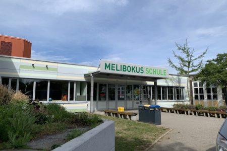 Eingangsschild-Melibokus-Schule-Bild06-1024x768