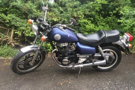 FontFront-Motorrad-Honda-CM-400T-Folierung-02