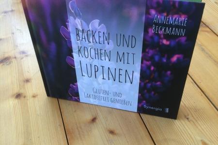 Backen_und_Kochen_mit_Lupinen_Umschlag-1_synergia_fontfront_rossdorf_gestaltung_layout
