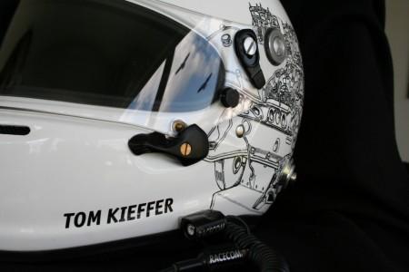 FontFront-Helmfolierung-Porsche-911-Cup-Fahrer-01