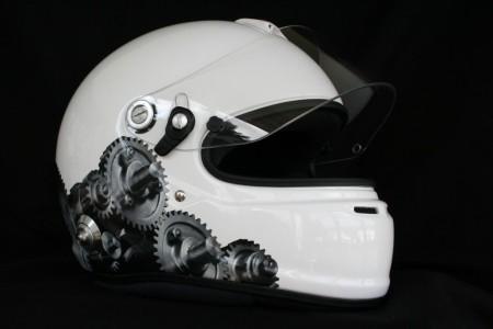 FontFront-Helmfolierung-Porsche-911-Cup-Fahrer-02