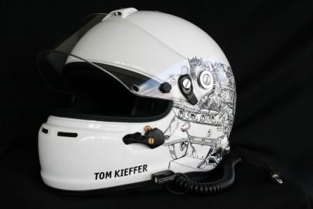FontFront-Helmfolierung-Porsche-911-Cup-Fahrer-04