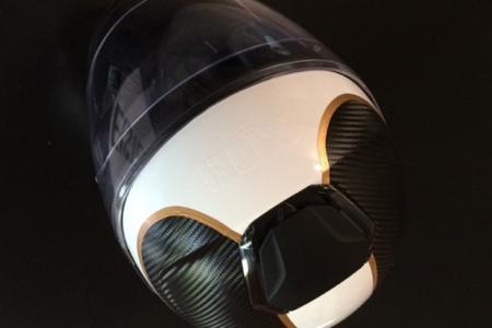 FontFront-Helmfolierung-Carbon-Fiber-Folie-Brushed-Gold-04