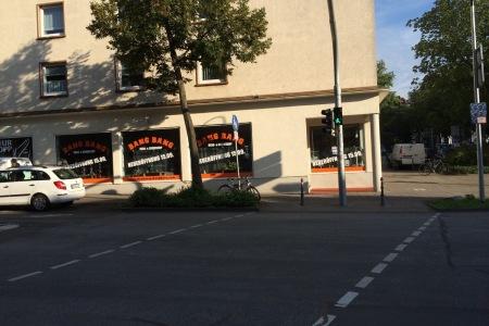 FontFront-Rossdorf-BangBang-Darmstadt-Schaufensterbeschriftung-Folie-02