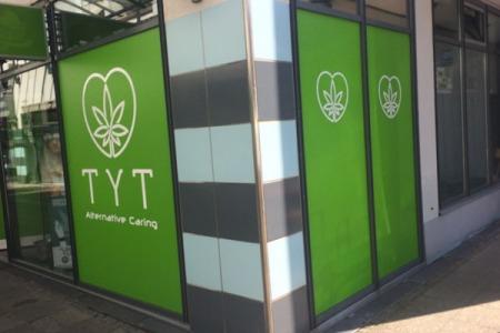 TYT_Esslingen-Stuttgart_Schaufenster2