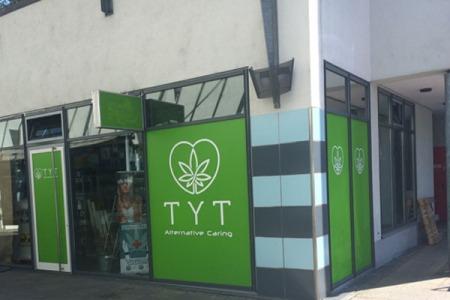 TYT_Esslingen-Stuttgart_Schaufenster3