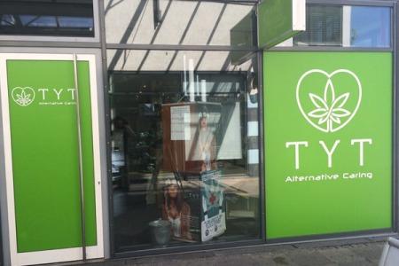 TYT_Esslingen-Stuttgart_Schaufenster4
