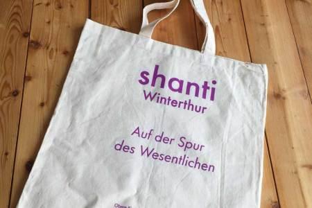 baumwoll-tasche-natur-bedruckt-shanti-auf-der-spur2