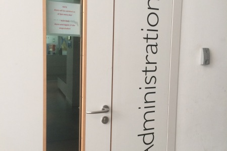 schuldorf_bergstrasse_fontfront_rossdorf_administration_beschriftung