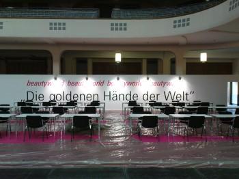 Die goldenen Hände der Welt Beschriftung