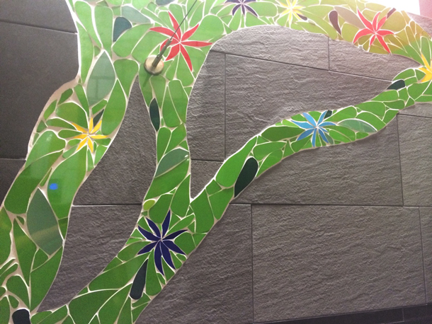 firmenbad gestaltung mit fliesen mosaik und folien fontfront. Black Bedroom Furniture Sets. Home Design Ideas
