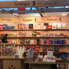 Messestand für Synergia Verlag & Freunde auf der Frankfurter Buchmesse