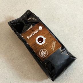 Logo-Redesign und Gestaltung einer Kaffee-Verpackung