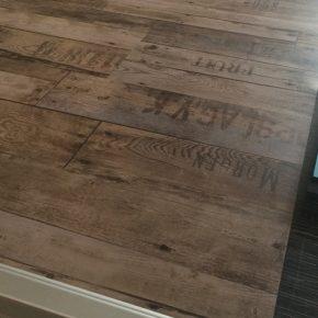 Folie in Holz-Optik
