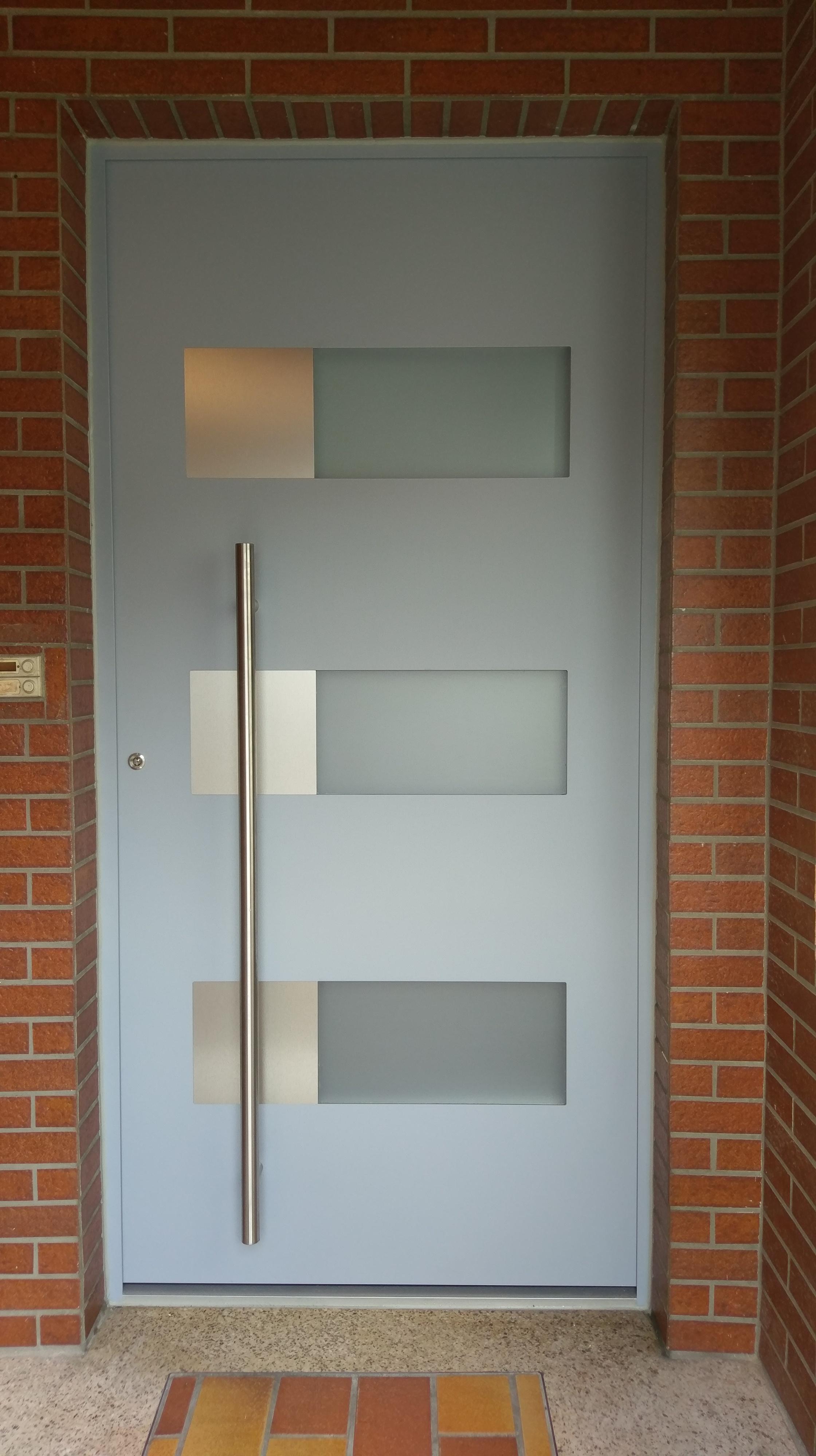 Eingangstuer mit Glasdekorfolie