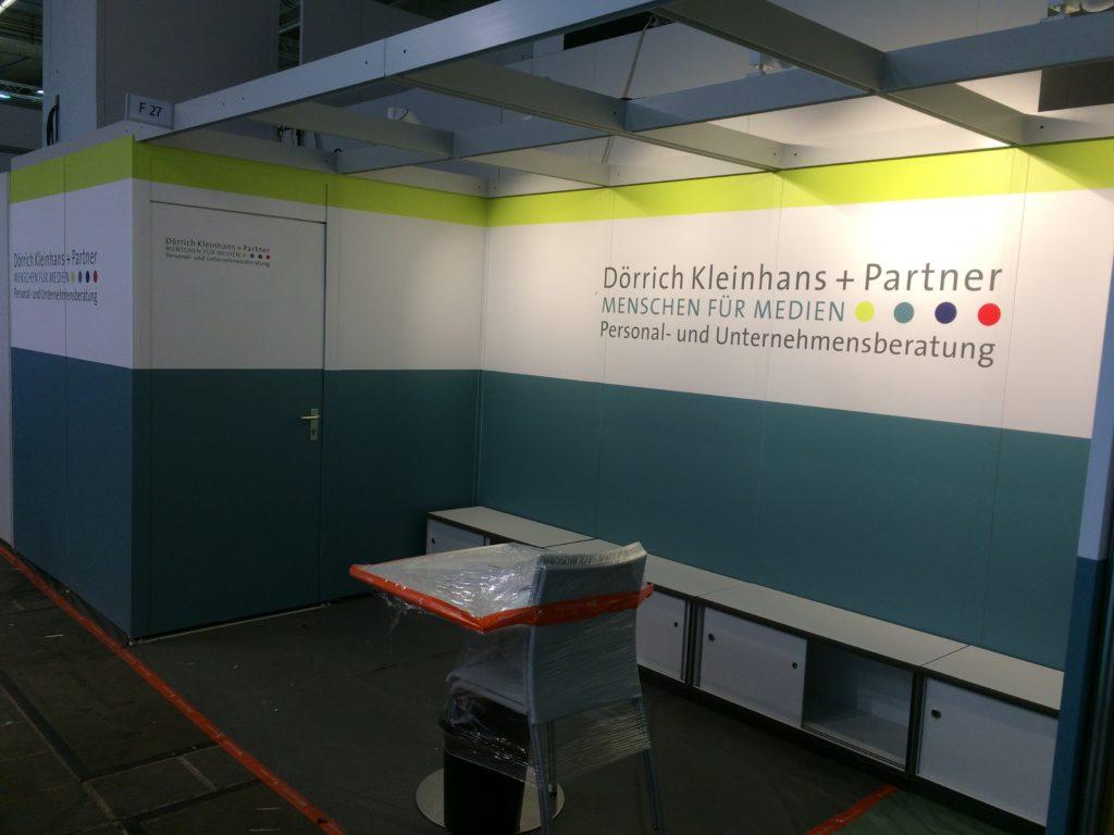 Frankfurt Buchmesse Messestand Dörrich Kleinhans Folierung Fontfront