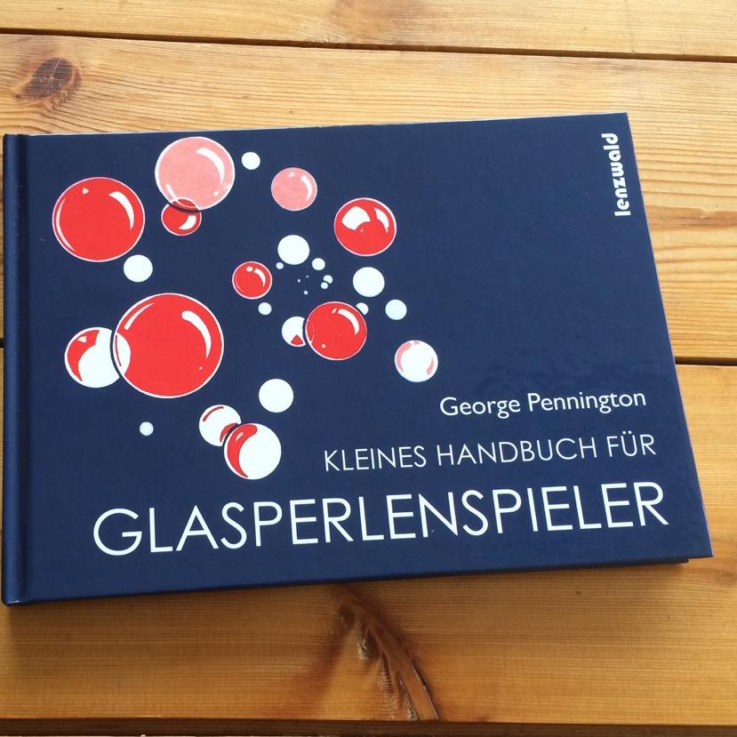 Kleines Handbuch fuer Glasperlenspieler Umschlag Fontfront Synergia Beitragsbild